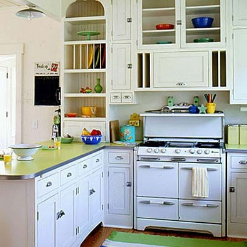 Diy creating character with vintage stoves soulful abode for Small retro kitchen