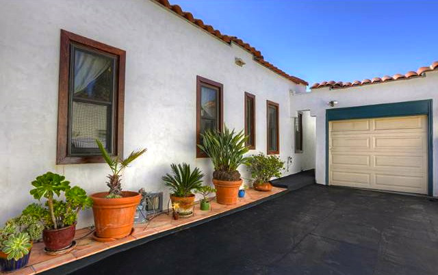 Driveway and garage. Courtesy of Matthew Morgus – Sotheby's Los Feliz