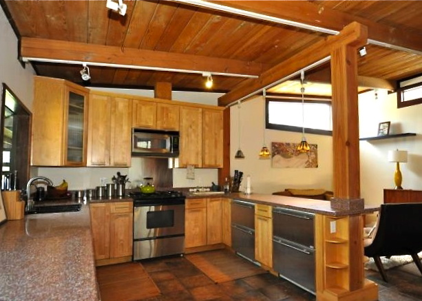 Open kitchen with exposed post