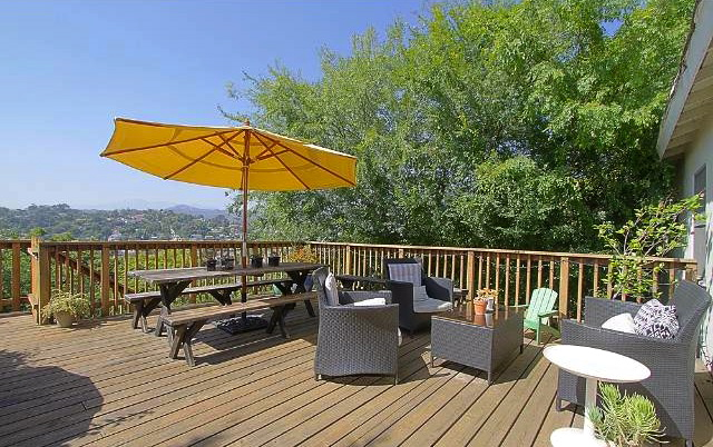 300 sq. ft. deck with unobstructed views