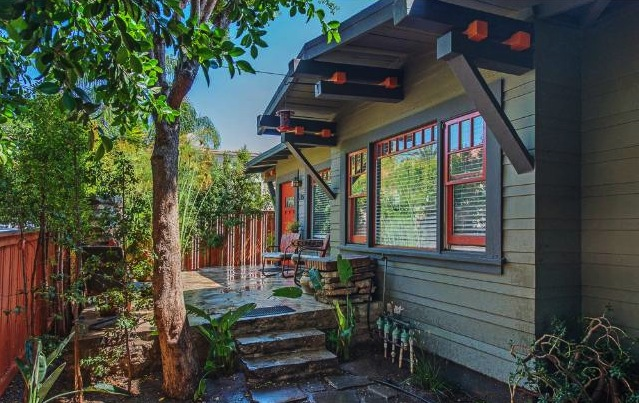 1912 Craftsman: 1150 N. Hobart Blvd., Los Angeles, 90029