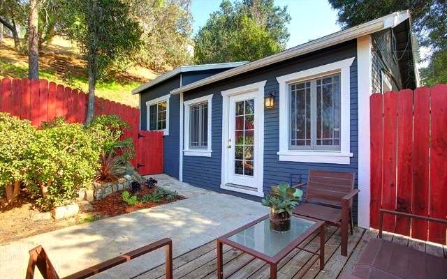 1924 California Bungalow: 2060 El Moran St., Los Angeles, 90039