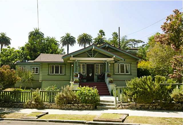 1913 Craftsman: 961 Sanborn Ave., Los Angeles, 90029