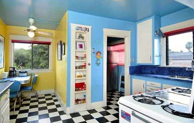 Eat-in nook, built-in kitchen and vintage Wedgewood stove