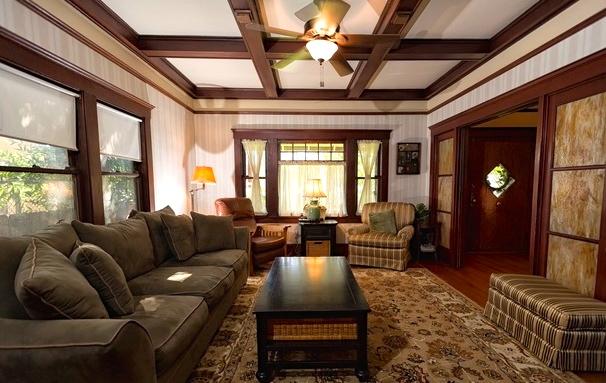 1909 Craftsman: 5608 Monte Vista St., Los Angeles, 90042
